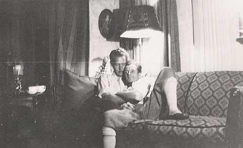 vintage-gay-hug