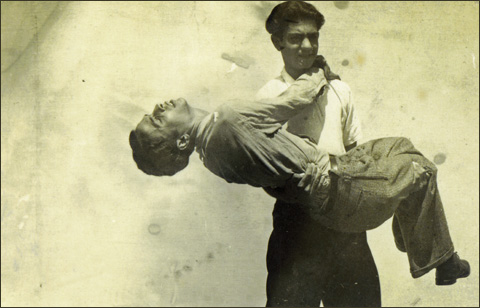 man-carrying-another-osvaldo-vintage-gay-480c